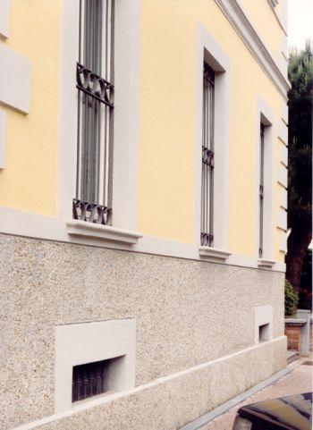 Recupero funzionale ed unit architettonica - Zoccolo esterno facciata ...