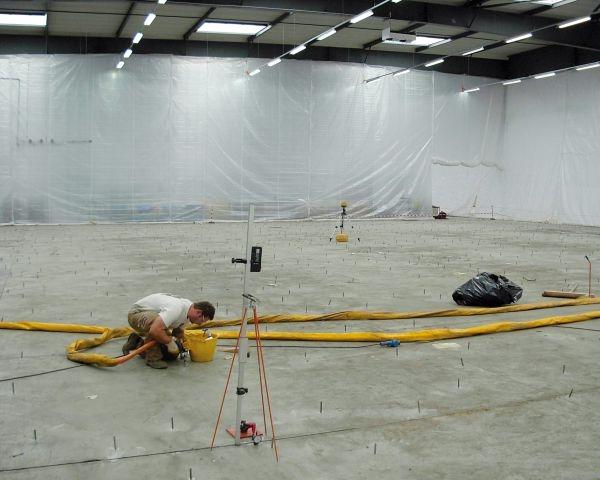 Grazie a Uretek stabilizzati 7000 m2 di pavimentazione senza interrompere l'attività di produzione