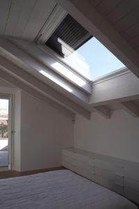 Finestra per tetti velux 62 a isolamento acustico for Finestre velux rimini