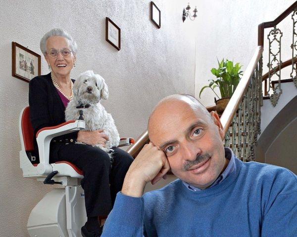 Capri: servoscala a poltroncina a guida curva