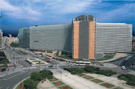 Il parlamento europeo si mette in regola for Parlamento sede
