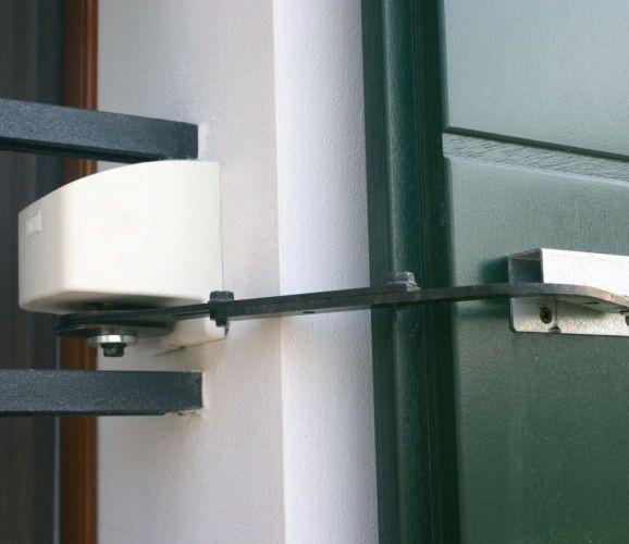 Automazioni per imposte ad anta battente radius - Griglie per finestre esterne ...