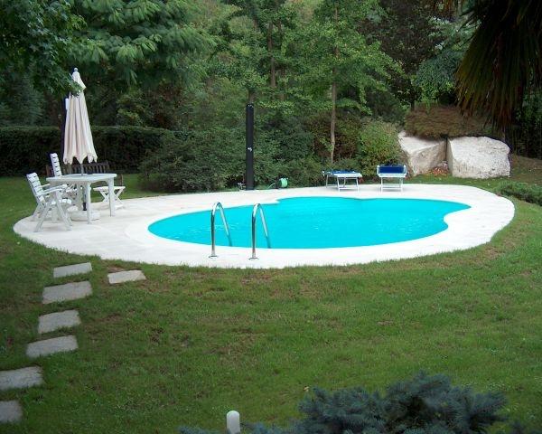 Libera: 15 forme standard personalizzabili per creare la piscina su misura