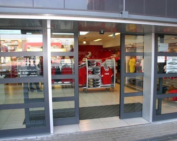 Ditec apre le porte del magico mondo della Ferrari