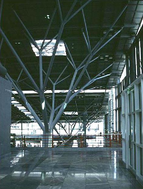 meinhard von gerkan terminal passeggeri stoccarda 1990