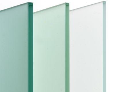 Trasparenze, riflessi, colore. Il vetro per l'architettura degli interni
