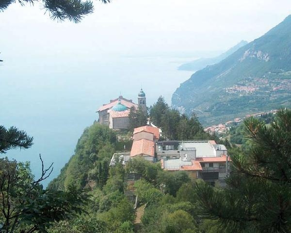 Nuova luce per il Santuario di Monte Castello a Tignale