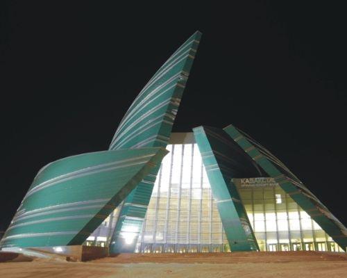 Un vestito leggero e protettivo per l'Auditorium di Astana