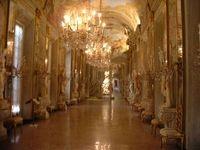 Nuove pavimentazioni a Palazzo Reale