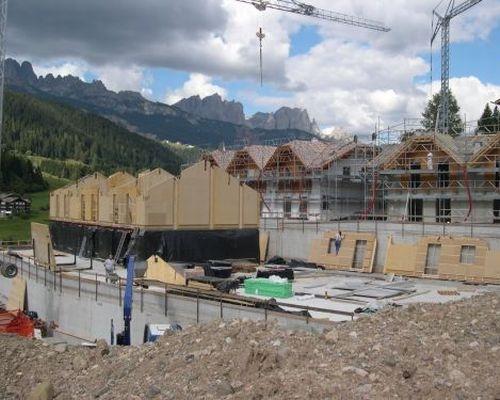 Prova di resistenza sismica su di un edificio residenziale for Piani di casa europei per lotti stretti