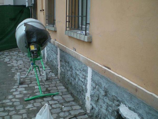 Restauro e consolidamento di santa giustina - Zoccolo esterno facciata ...
