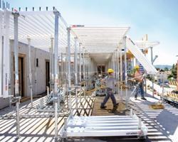 Peri a servizio delle imprese nella realizzazione di edifici alti