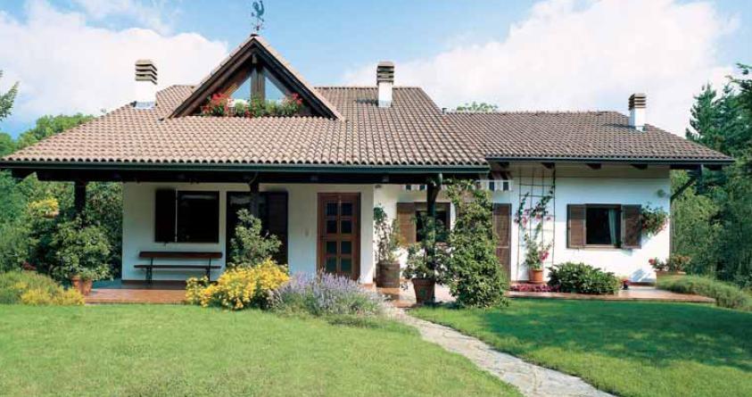 Case in pietra e legno design casa creativa e mobili for Case di legno rubner