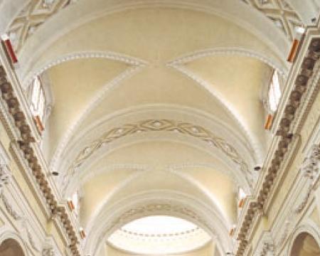 Comfort ed equilibrio architettonico per il  riscaldamento degli edifici di culto