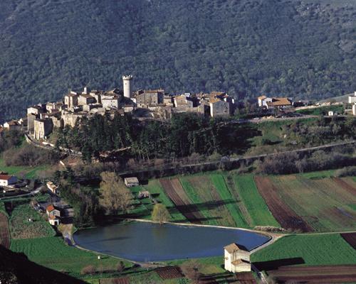 Recupero restauro e ridestinazione turistica di un antico borgo