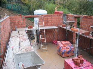 Muratura armata per la realizzazione di un edificio a for Piani di costruzione dell edificio