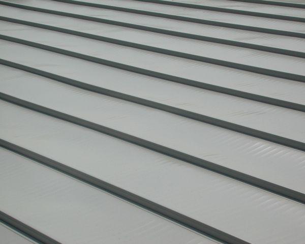 Sistema di copertura metallica per tetti piani Alugraf