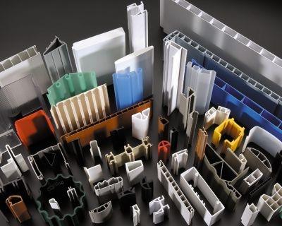 Profili e tubi in materiale termoplastico