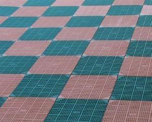 Piastrella modulare per pavimentazioni aerate e drenanti
