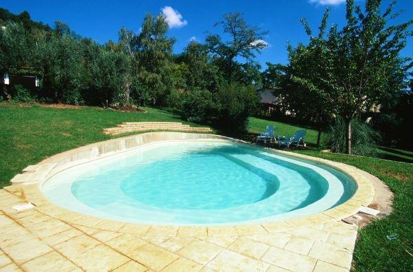 Piscine residenziali linea contemporanea busatta piscine - Piscine busatta ...