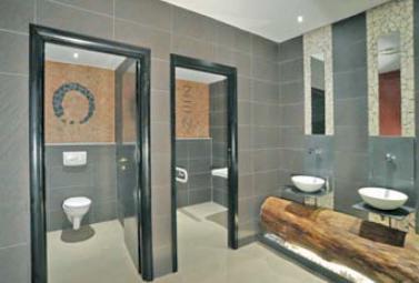 Un bagno zen realizzato con Trekking