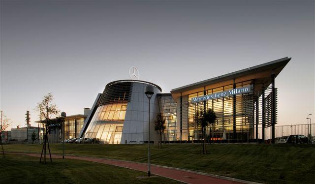 Il nuovo Mercedes Benz Brand Center di Milano