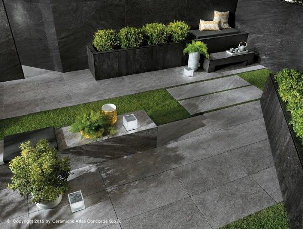 Brave pavimenti in gres porcellanato effetto pietra for Mattonelle da esterno in cemento