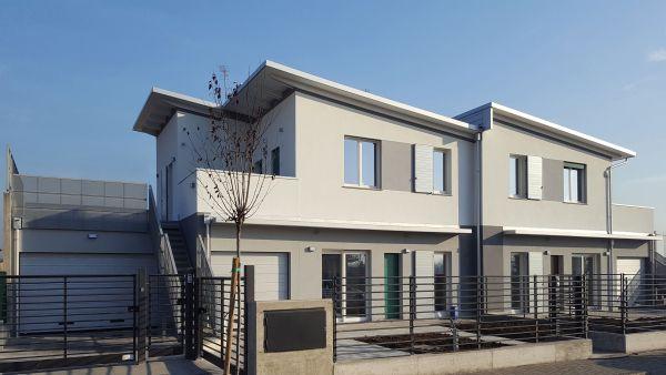 Marlegno azienda esperta in case in legno passive for Progetti ville bifamiliari moderne