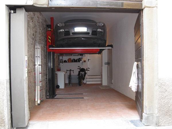 Elevatori per auto monocolonna - Misure garage per 2 auto ...