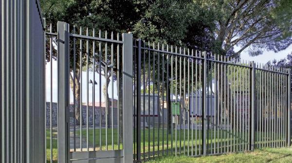 Rivenditori orsogril terminali antivento per stufe a pellet for Bricoman rete recinzione