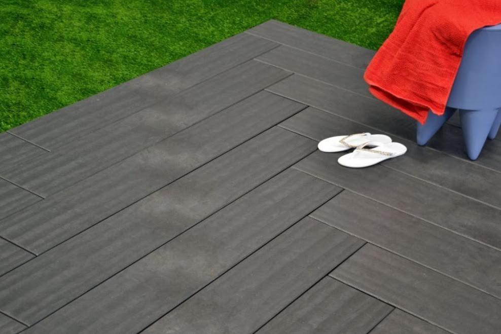 Quali caratteristiche deve avere la pavimentazione a bordo - Pavimenti bordo piscina in legno ...