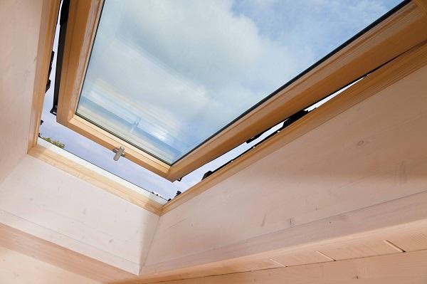 Designo r8 finestre a compasso con doppia apertura - Roto finestre per tetti ...