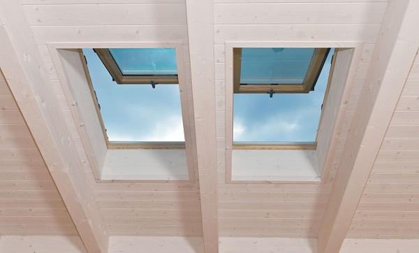 Designo r8 finestre a compasso con doppia apertura for Faelux srl finestra per tetti
