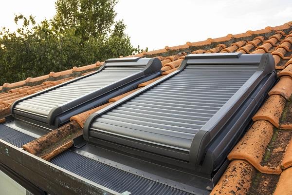 Sistema finestra per tetti roto si integra con la for Faelux srl finestra per tetti