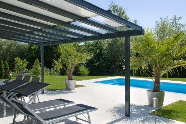 Pergolato con copertura in vetro terrado for Techumbres modernas