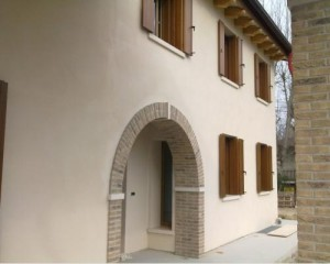 Edificio residenziale in Lecablocco Bioclima Zero18