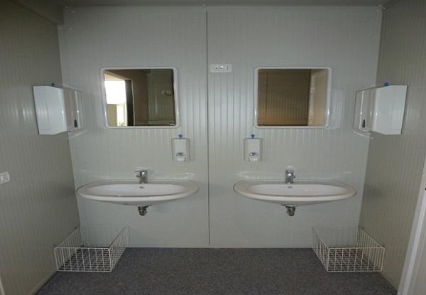 Interno di bagno modulare