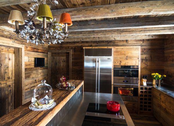 La grande cucina dello Chalet RDG a Chamonix