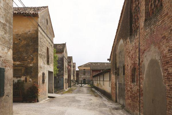 09_Ca' Corniani borgo_ph Agostino Osio