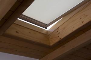 1. Roto Finestre per tetti_Infobuild_Protezione dal caldo