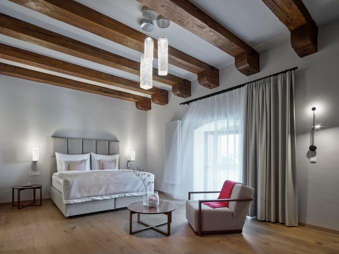 Una delle camere da letto dell'Hotel Lotrinsky nella repubblica Ceca