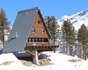 Domotica in un moderno rifugio di montagna