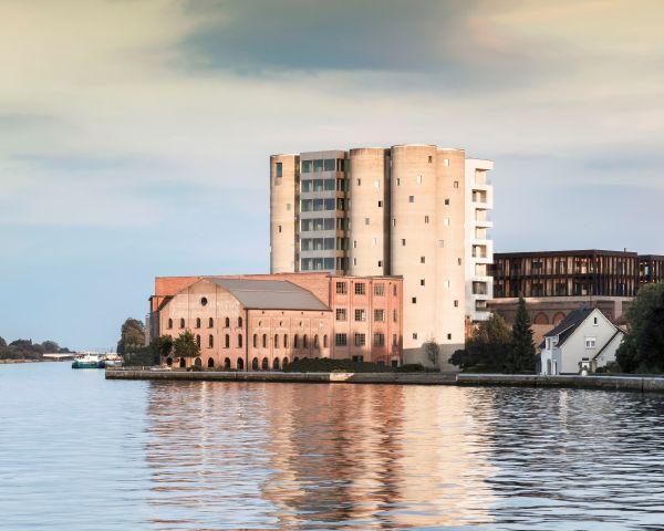 Ad Anversa nasce un appartamento di lusso dalla riqualificazione di un vecchio silos