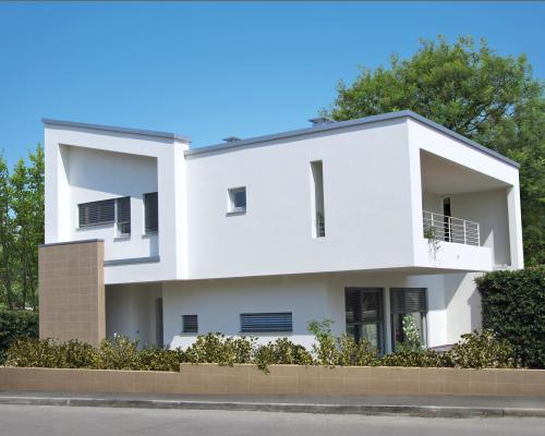 Casa prefabbricata in legno for Progetti ville bifamiliari moderne