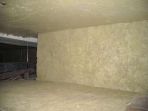 L'isolamento acustico di un solaio in legno, di divisione tra due unità, ottenuto con prodotti della Index spa (SilentRock e TopsilentGips): a plafone