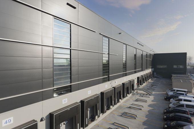 Nuovo hub di Trecate, vista laterale della nuova logistica