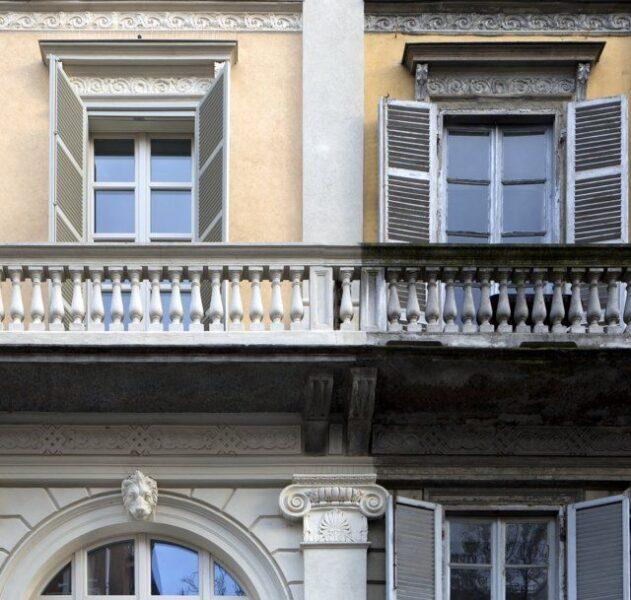 Le facciate del palazzo di via Palestro 3 a Torino