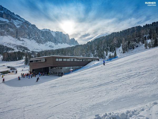 nuova avveniristica cabinovia Piz Seteur in Val Gardena