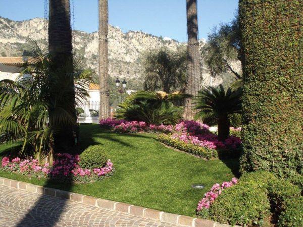 Soluzioni giardino senza erba awesome archivio - Idee giardino senza erba ...
