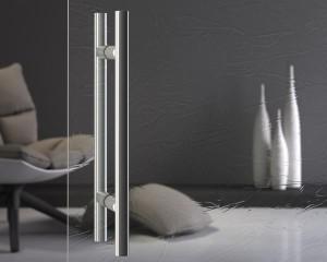Porta con anta a battente in vetro temperato. Vetro: Madras® mod. Silk Cristalli, 10 mm, extrachiaro.